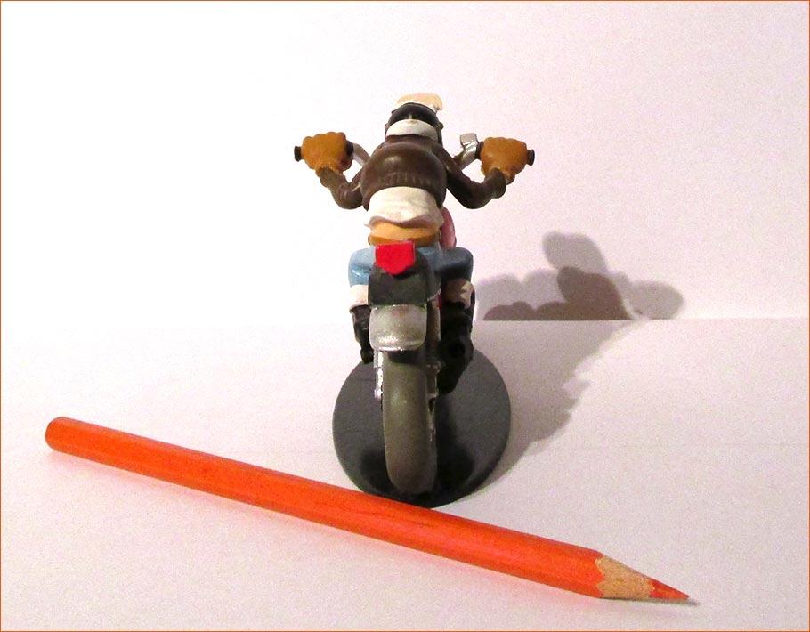 Edouard Bracame sur sa Honda CB750 (Hachette) - Dos.