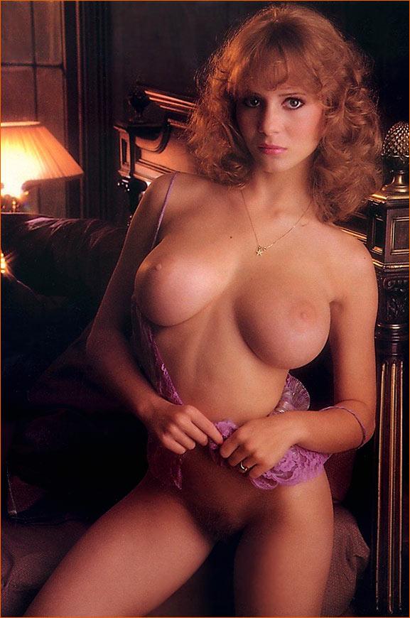 Photographie de Kimberly McArthur par Arny Freytag pour Playboy.