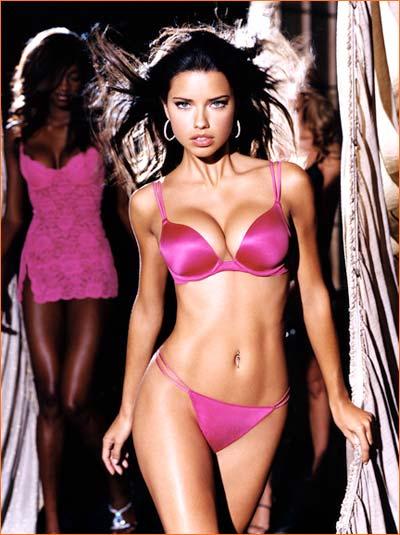 Adriana Lima pour Victoria's Secret.
