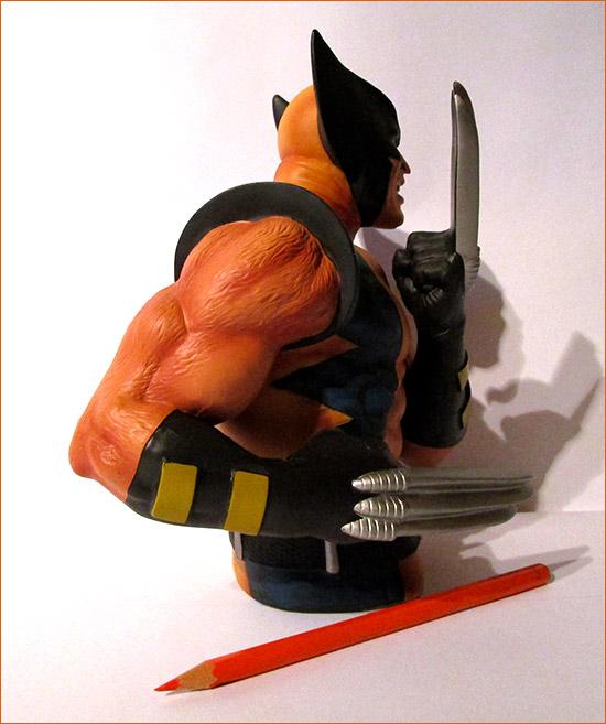 Tirelire Wolverine (Semic Distribution) - Côté droit.