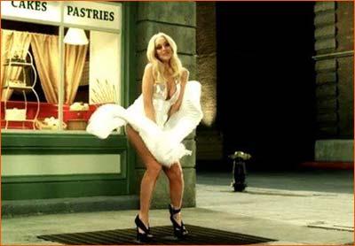 Lindsay Lohan dans Underground Comedy.