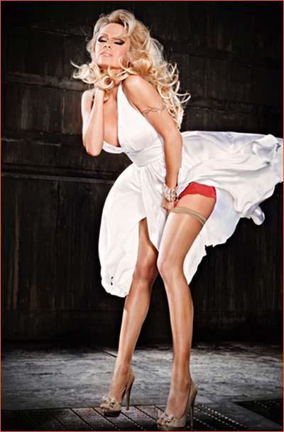 Pamela Anderson pour Bonita De Mas.